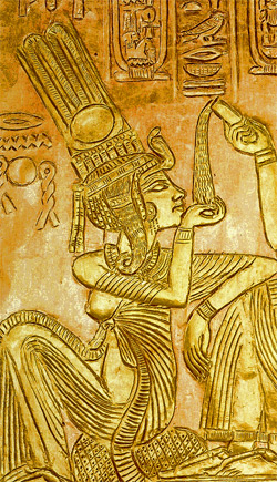 changing roles and contributions of queen tiye He is famous for changing the traditional religion of egypt from the worship of  many gods to the worship of a single god named aten  his religious leanings  were likely influenced by his mother, queen tiye the city of  women's roles.
